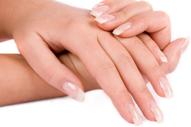 Почему ногти на руках становятся волнистыми и как лечить дефект?