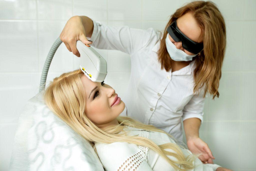Удалить пигментные пятна на лице лазером